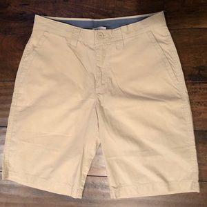 Columbia khaki shorts 30 W/10 L